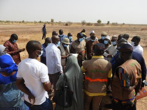 Délégation de MCA-Niger sur l'aire de pâturage de Kouré Zarma (Tillabéry).