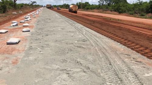 Travaux sur la RN7 : Pose de la terre ciment