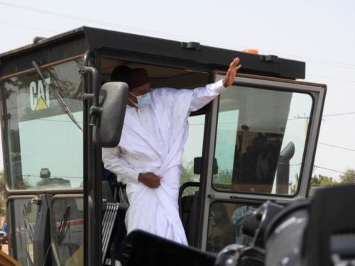 Lancement symbolique du début des travaux par le Président de la République du Niger, Issoufou Mahamadou.